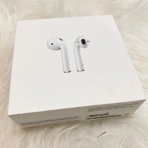 Apple Airpods With Charging Case, 1st Generation